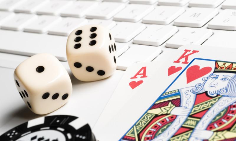 Игровые автоматы 777 в казино Вулкан играть онлайн бесплатно.